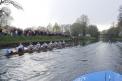 Jan als Schlagmann des Ehemaligenachters beim Ruderfest 2006. Damals gab es noch die alte Kanalbrücke.