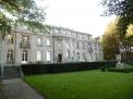 Die Villa am Ufer des Wannsees mit dem rekonstruierten Park.