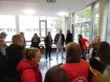 Landestrainerin Larissa Vent (ganz rechts mit roter Jacke) zu Beginn des Workshops (hinten die teilnehmenden Caro-Trainer).