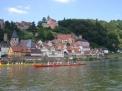 Die Caro-Ruderer auf dem Neckar in Hirschhorn.